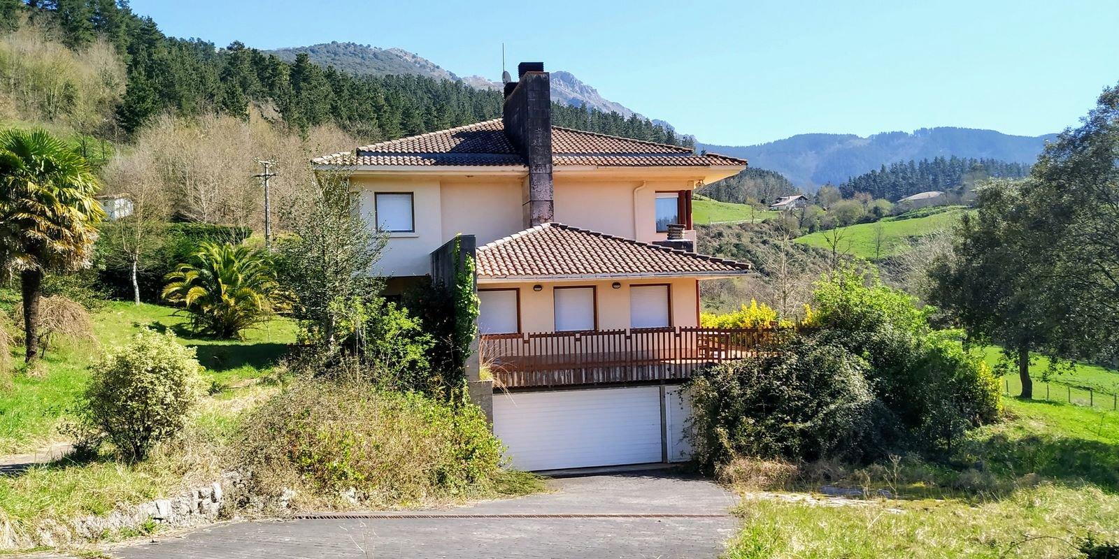 Casa en Dima – B.º/ Bikarregi